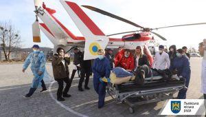 Запрацював медичний гвинтокрил: пацієнтку з інсультом з гірського району доставили у Львів