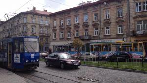 Трамваї простоюють на вулиці Городоцькій у Львові
