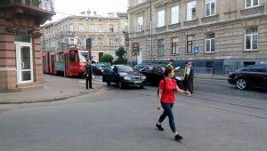 Аварія зупинила трамваї в центрі Львова