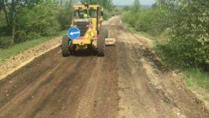 На Львівщині ремонтують дорогу Шегині-Циків