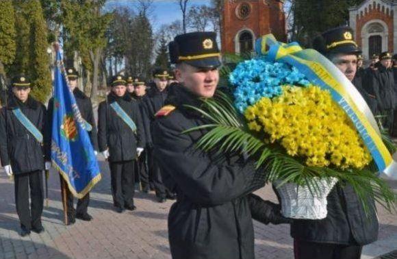 Увихідні львів'яни вшанують пам'ять Героїв Крут (програма)