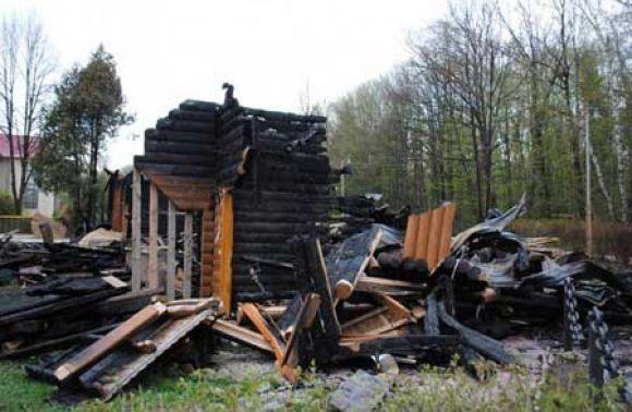 НаЛьвівщині удерев'яній колибі заживо згорів чоловік