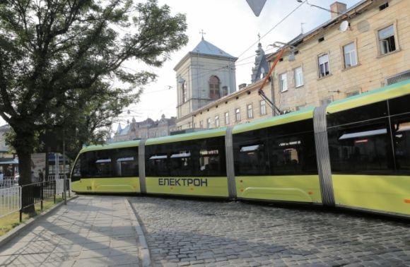 Ранок уЛьвові: у місті тимчасово некурсують трамваї