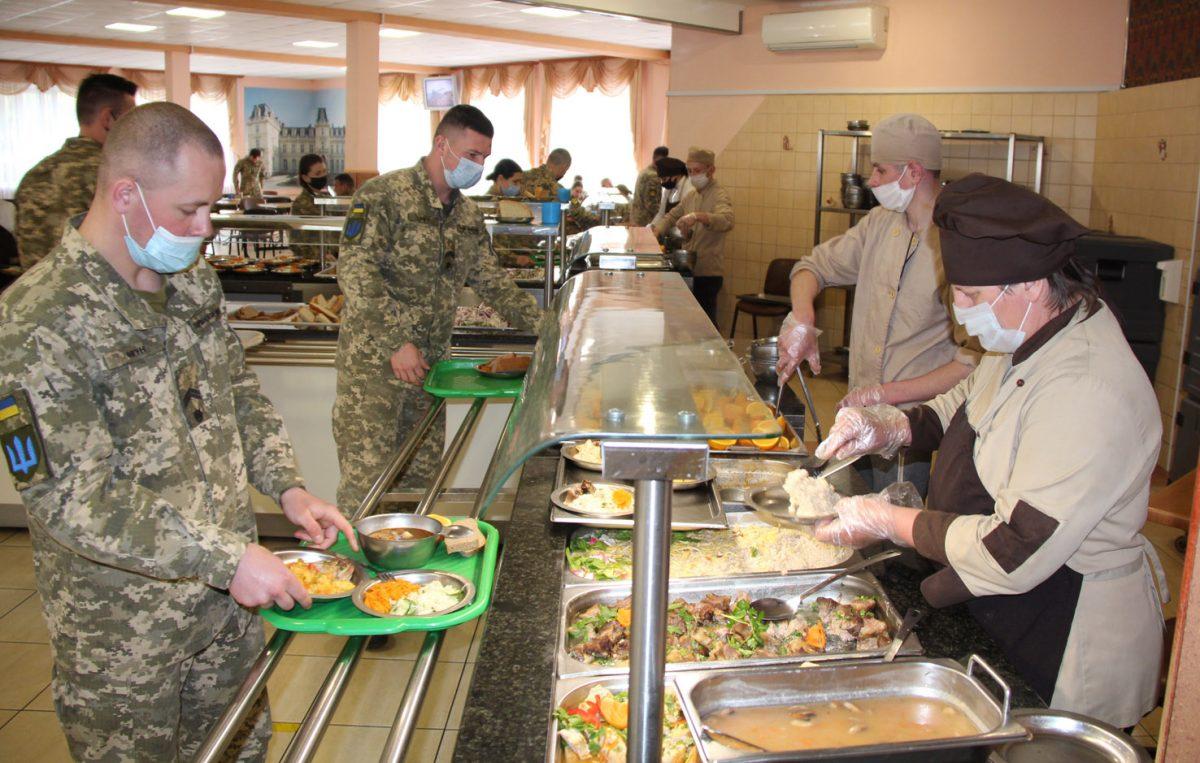 Іноземних військових на Яворівському полігоні годуватиме фірма литовця.  Читайте на UKR.NET