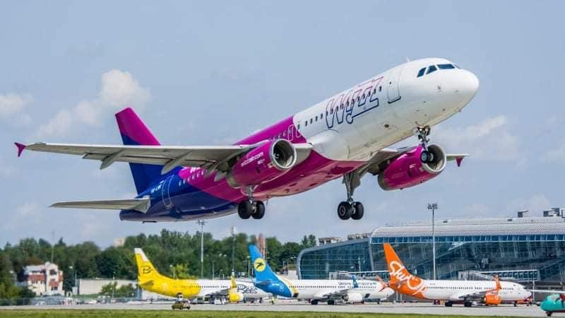В аеропорті Львів повідомили графік польотів за 9-ма новими маршрутами і ціни на нові рейси